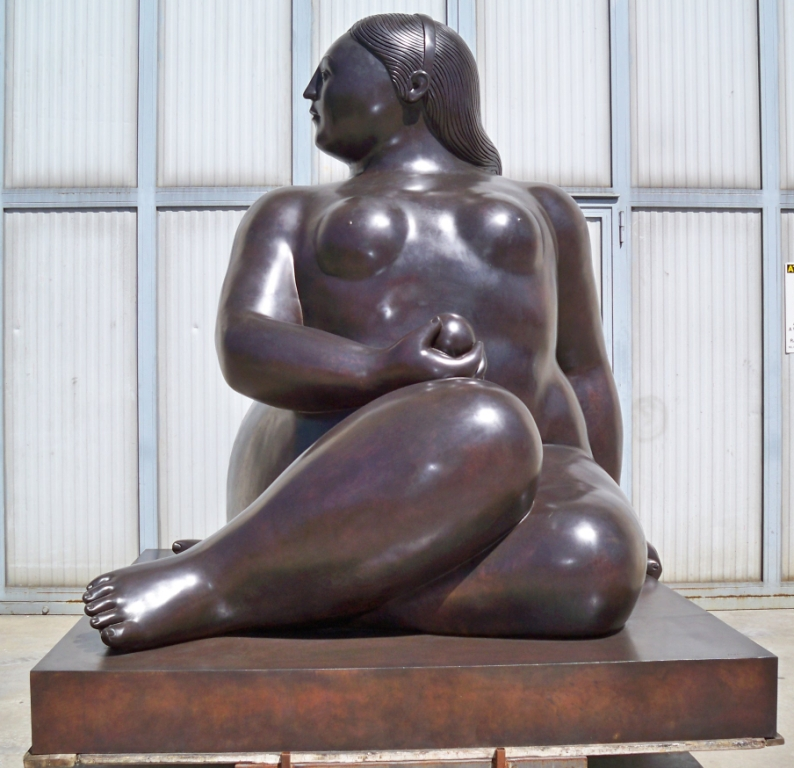 Fernando Botero - Donna seduta - Seated Woman h. cm. 300 (4)