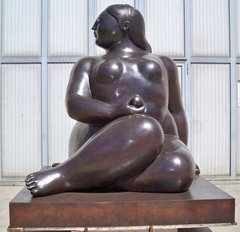 Fernando Botero - Donna seduta - Seated Woman h. cm. 300 (4)