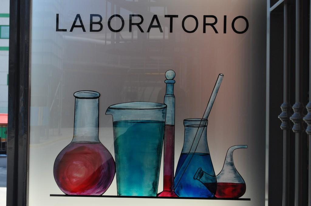 immagine vetrata laboratorio