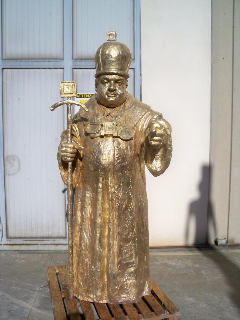 Osmolovsky Anatoly - Patriarch h. cm. 200 in lega speciale gold, esposta alla Biennale di Venezia 2013