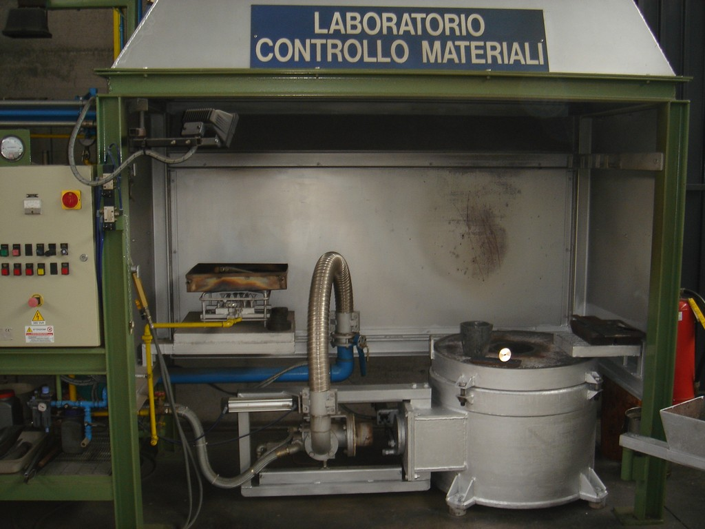 immagine laboratorio controllo materiali